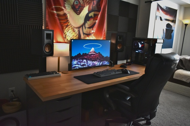 PC_Desk_136_62.jpg