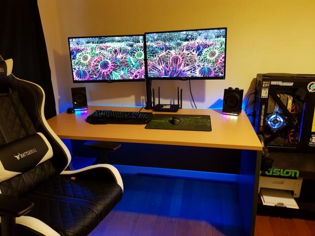 PC_Desk_136_70.jpg