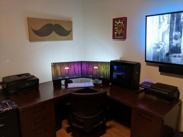 PC_Desk_136_72.jpg