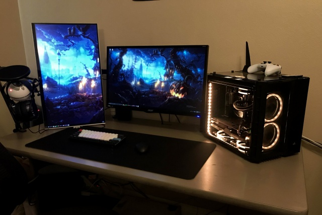 PC_Desk_136_73.jpg