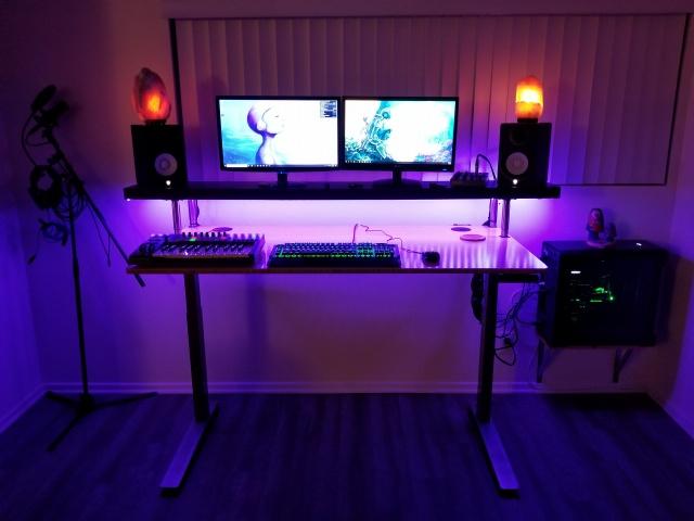 PC_Desk_136_81.jpg