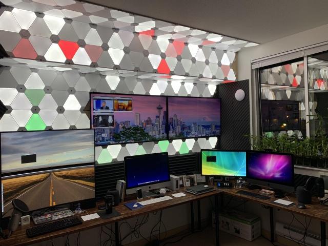 PC_Desk_137_01.jpg