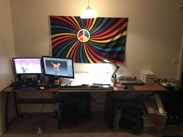 PC_Desk_137_02.jpg