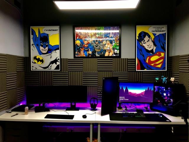 PC_Desk_137_04.jpg