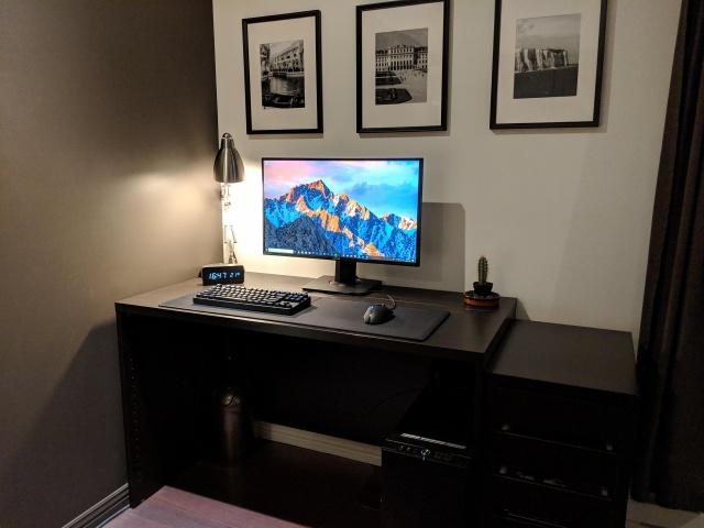 PC_Desk_137_15.jpg