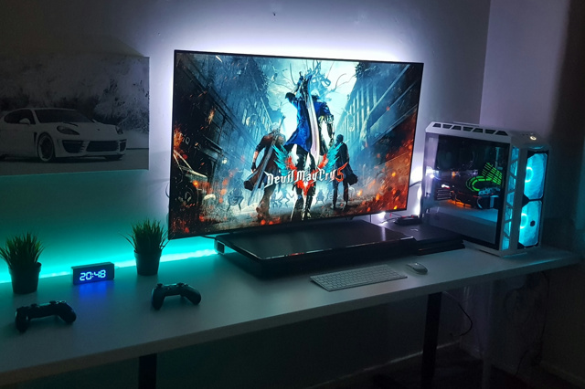 PC_Desk_137_16.jpg