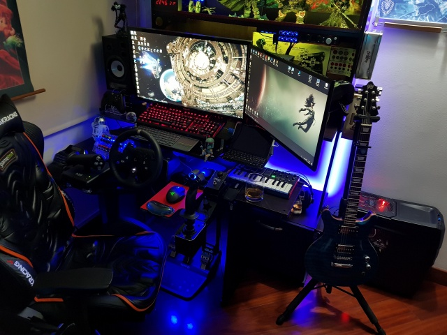 PC_Desk_137_22.jpg