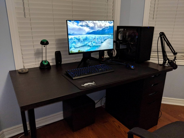 PC_Desk_137_24.jpg