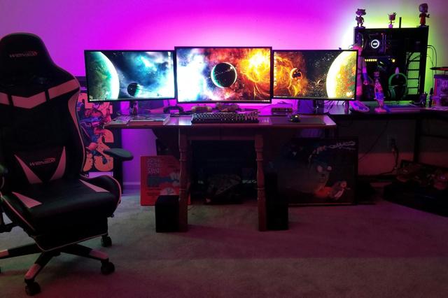 PC_Desk_137_33.jpg