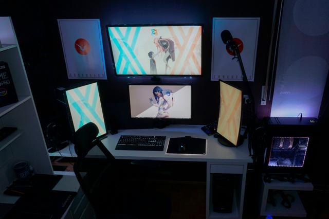 PC_Desk_137_35.jpg