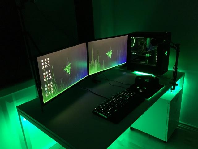 PC_Desk_137_36.jpg