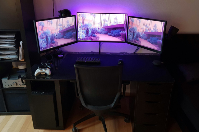 PC_Desk_137_46.jpg