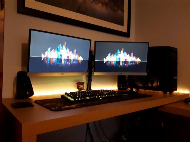 PC_Desk_137_47.jpg