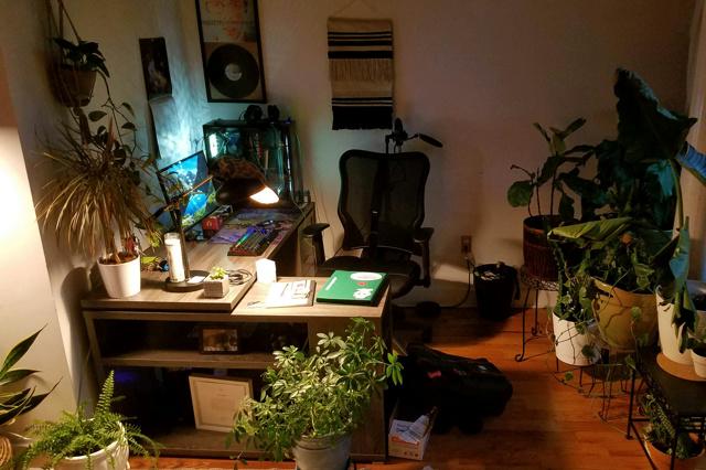 PC_Desk_137_52.jpg