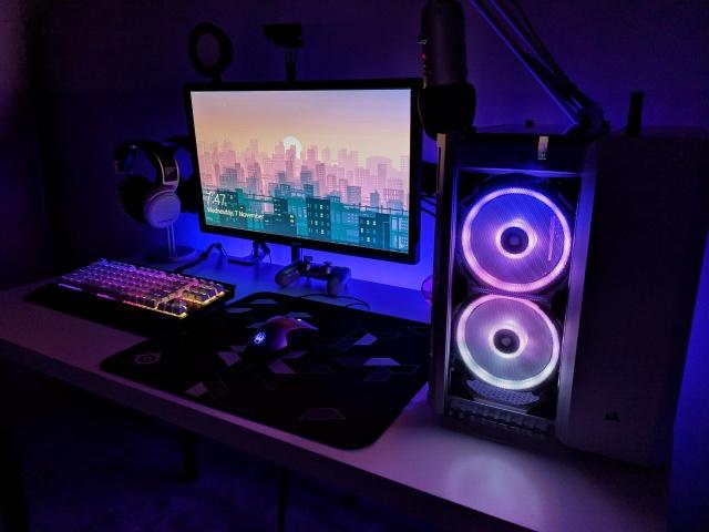 PC_Desk_137_55.jpg