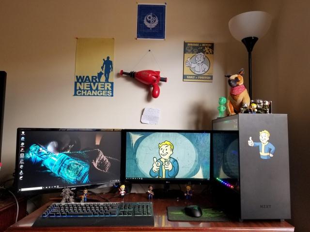 PC_Desk_137_59.jpg