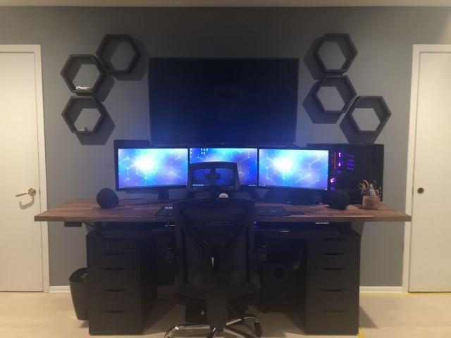 PC_Desk_137_64.jpg