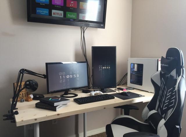 PC_Desk_137_68.jpg