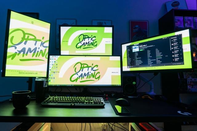 PC_Desk_137_72.jpg