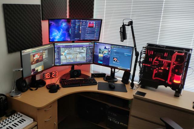 PC_Desk_137_73.jpg