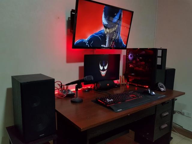 PC_Desk_137_77.jpg
