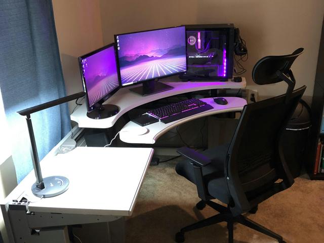PC_Desk_137_85.jpg