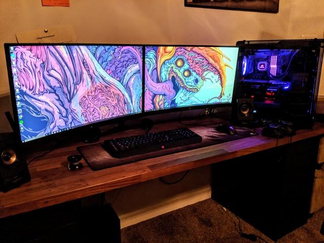 PC_Desk_137_88.jpg