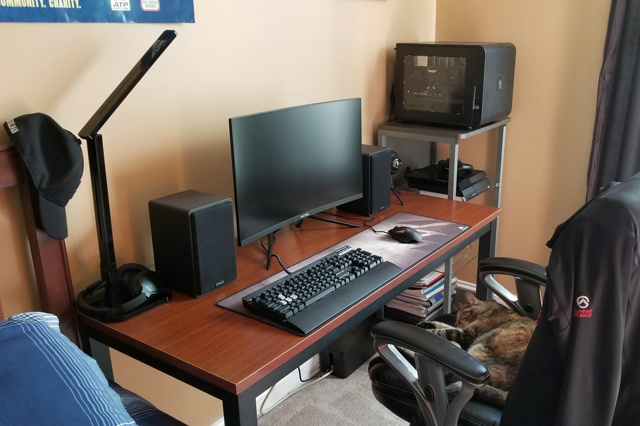 PC_Desk_137_92.jpg