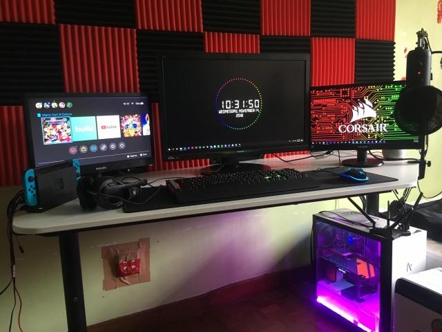 PC_Desk_137_95.jpg