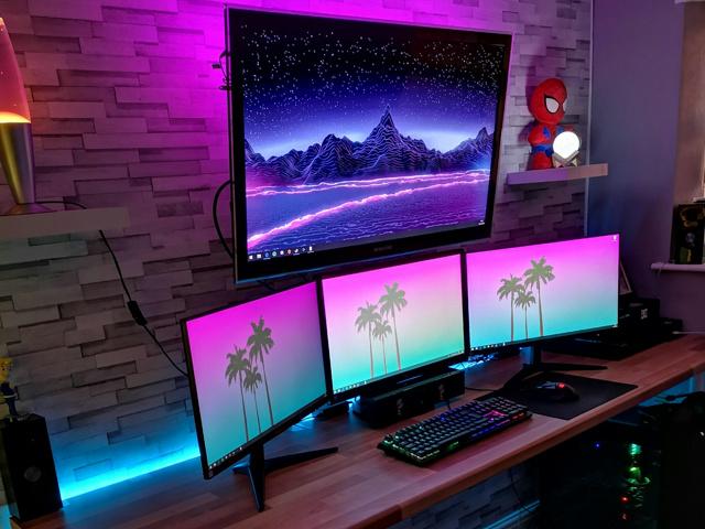 PC_Desk_137_97.jpg