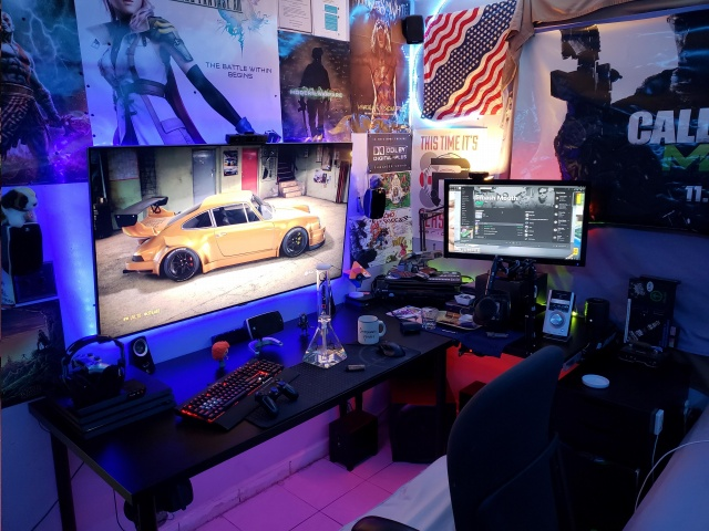 PC_Desk_138_01.jpg