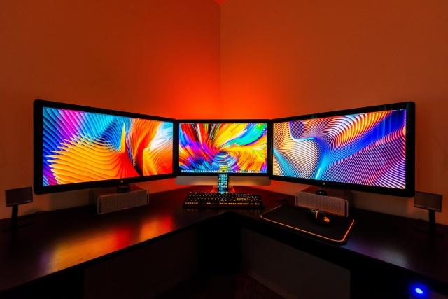 PC_Desk_138_14.jpg