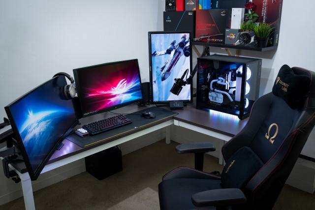 PC_Desk_138_15.jpg