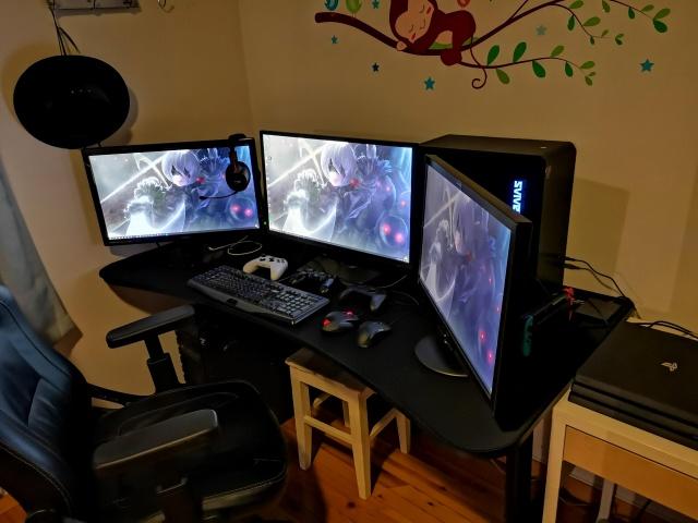 PC_Desk_138_16.jpg