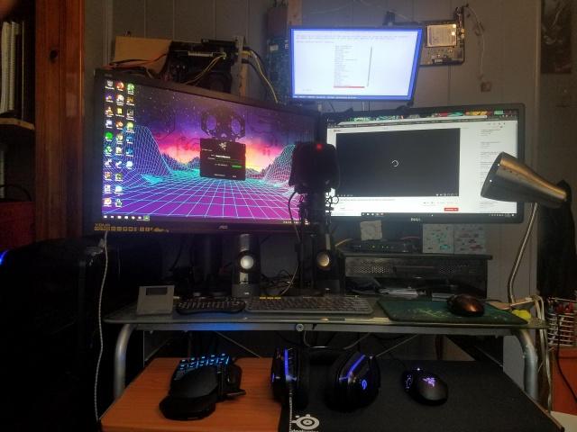 PC_Desk_138_21.jpg