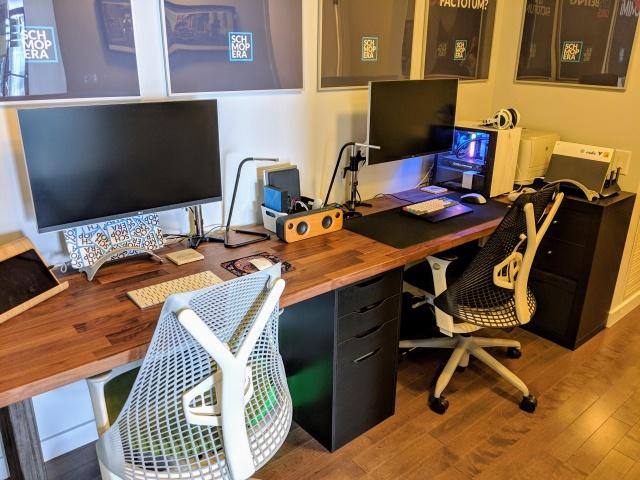 PC_Desk_138_24.jpg
