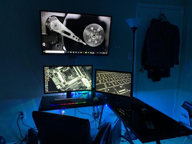 PC_Desk_138_28.jpg