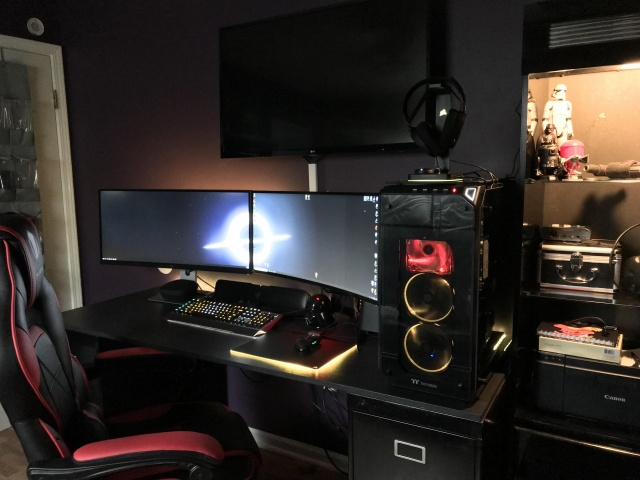 PC_Desk_138_37.jpg