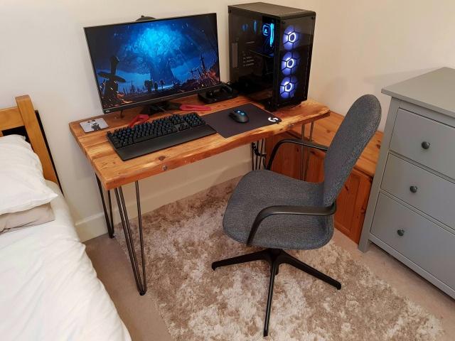 PC_Desk_138_39.jpg