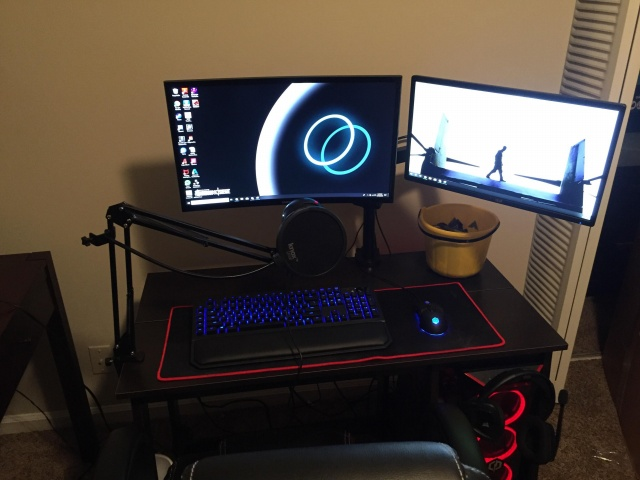 PC_Desk_138_46.jpg