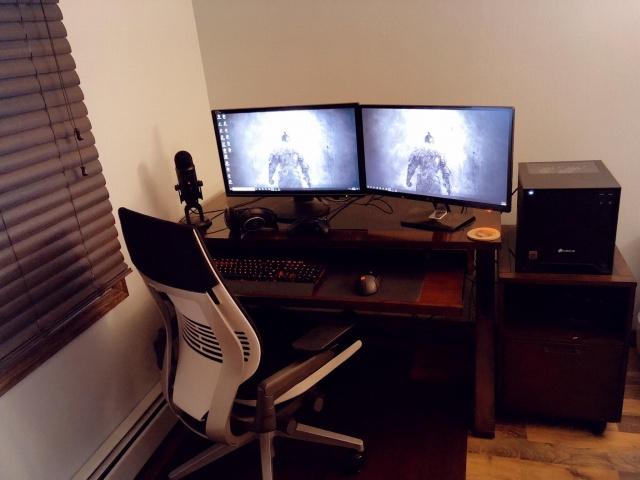 PC_Desk_138_47.jpg