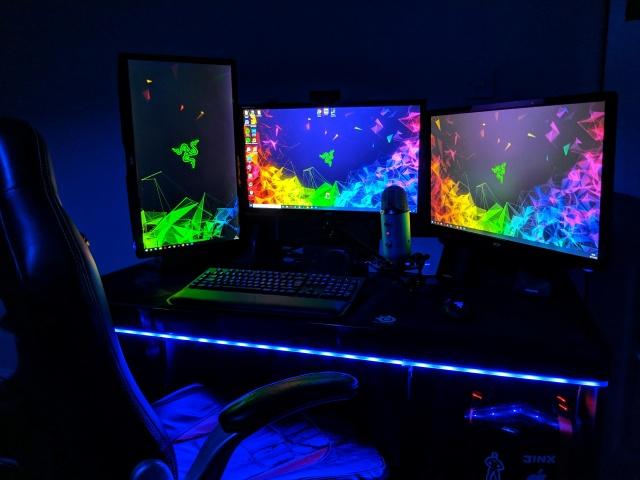 PC_Desk_138_62.jpg