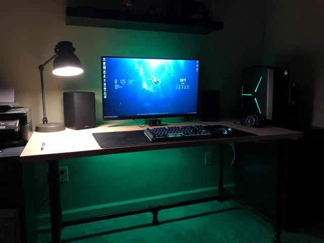 PC_Desk_138_65.jpg
