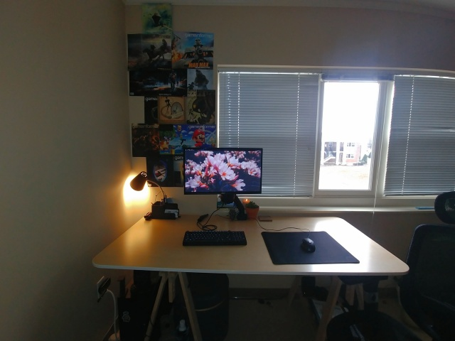 PC_Desk_138_83.jpg