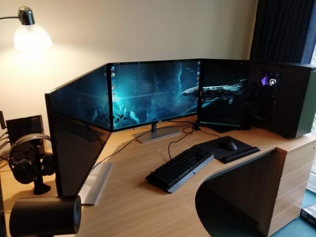 PC_Desk_138_84.jpg