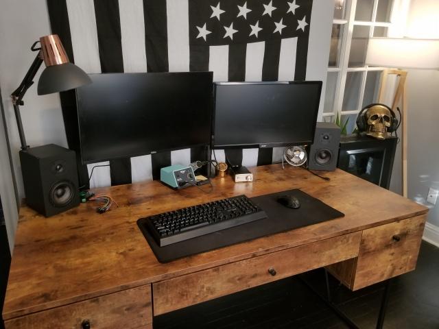 PC_Desk_138_88.jpg