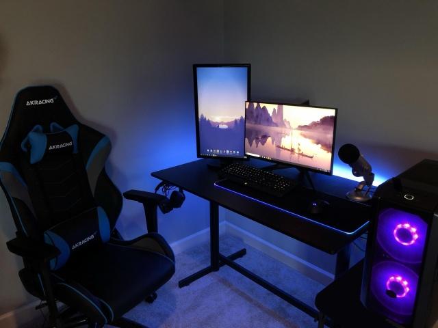 PC_Desk_139_12.jpg