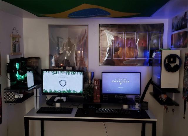 PC_Desk_139_29.jpg