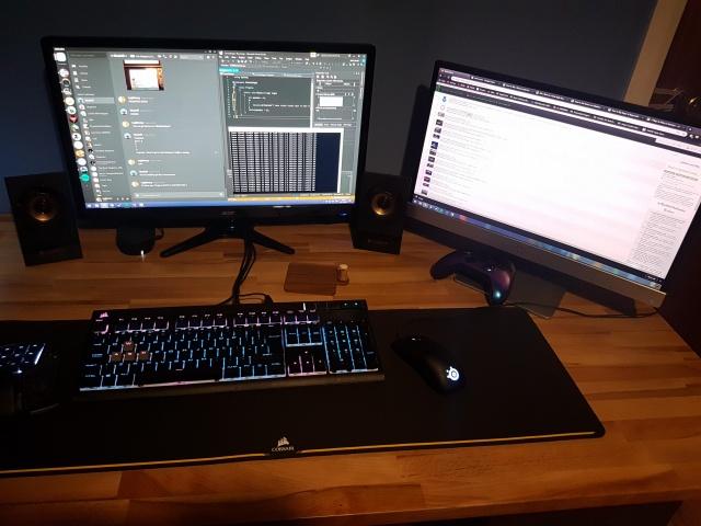 PC_Desk_139_36.jpg