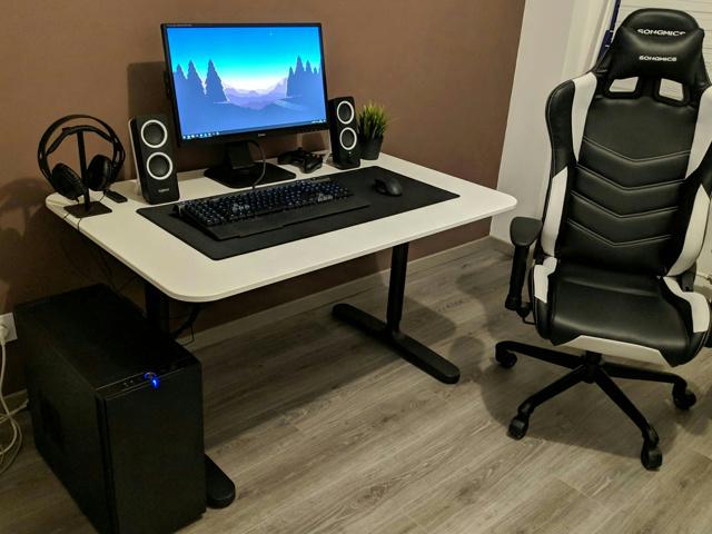 PC_Desk_139_40.jpg